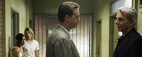 NCIS – Caged (6.12)