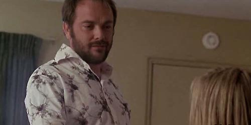 Mark Sheppard incarne Russell dans In Plain Sight - To Serge with Love (1.10)