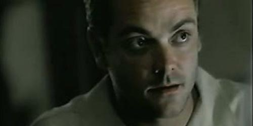 Mark Sheppard incarne Christopher 'C.J.' Yates dans Soldier of Fortune, Inc.