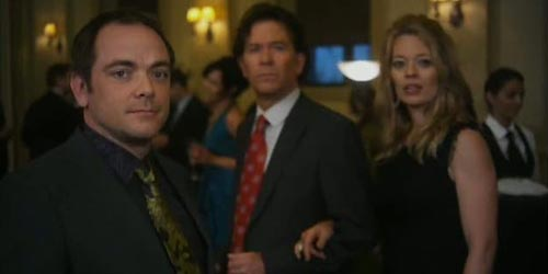 Mark incarne Jim Sterling dans Leverage - The Zanzibar Marketplace Job (2.12)