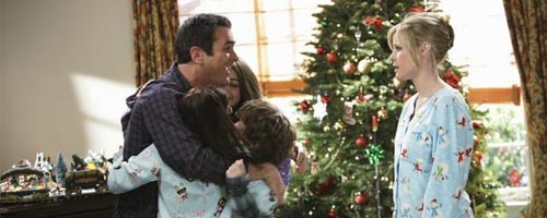 Modern Family - Undeck The Halls (1.10)