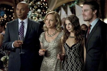 Arrow : Une ombre sur la ville (Year's End – 1.09)