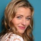 Louise Lombard en reine dans The Selection, pilote de The CW
