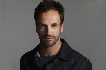 Jonny Lee Miller, de Trainspotting à Elementary