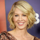 Jenna Elfman remplace Parker Posey dans Growing Up Fisher, la nouvelle comédie NBC