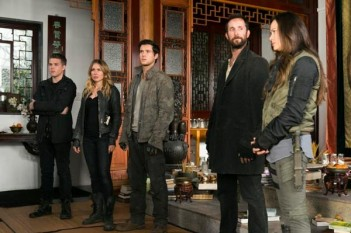 Falling Skies : Le cocon (Door Number Three – 4.06)