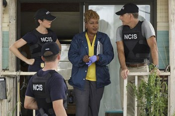 NCIS: New Orleans – Musician Heal Thyself (1.01)