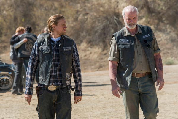 Sons of Anarchy saison 7 episode 8 - Sons of Anarchy : Personne n'est à l'abri (The Separation of Crows - 7.08)