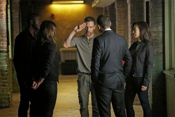 Agents of S.H.I.E.L.D. – Heavy Is The Head (2.02)