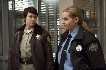 Supernatural : Police Women (Hibbing 911 – 10.08)