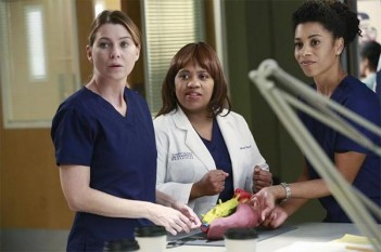 Grey's Anatomy : The Bed's Too Big Without You (11.10)