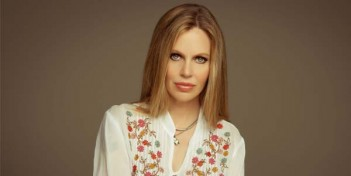 En ce moment dans Once Upon a Time, Kristin Bauer Van Straten rejoint The Kingmakers