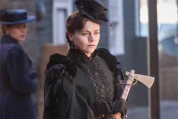 Pas de saison 2 pour The Lizzie Borden Chronicles, Christina Ricci range sa hache