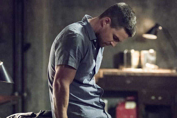 Arrow Saison 4 Episode 1 - Arrow : Je suis Green Arrow (4.01)