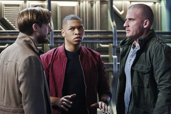 Legends of Tomorrow : Perdu dans l'espace (1.07)
