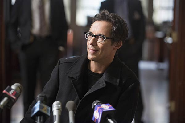 harrison wells eobard thawne the flash - Harrison Wells de The Flash : Les différentes versions du fondateur de STAR Labs