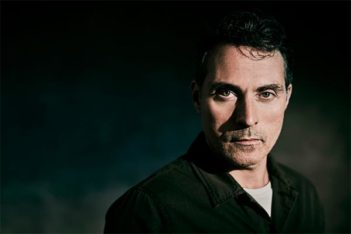 Au-delà de The Man in The High Castle, Rufus Sewell en 5 rôles marquants