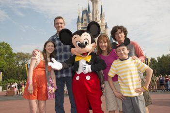 We're Going to Disney World ! 11 sitcoms américaines qui nous ont emmenés au parc