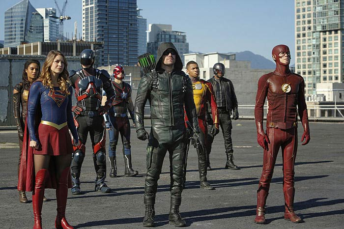 supergirl arrow the flash crossover - Le crossover de l'Arrowverse a été un succès d'audiences pour The CW
