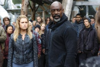 The 100 saison 5 : Isaiah Washington ne sera plus régulier sur la série post-apocalyptique