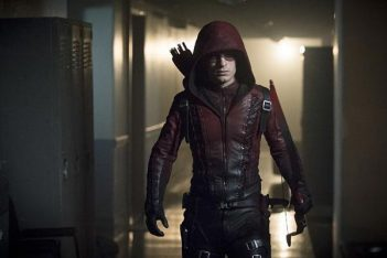 Arrow Saison 6 : Colton Haynes (Roy Harper) de passage à Star City